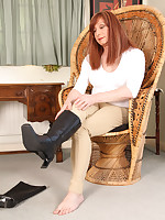 Lucimay gets ready for some horse riding but gets horny as soon as she puts her boots on.